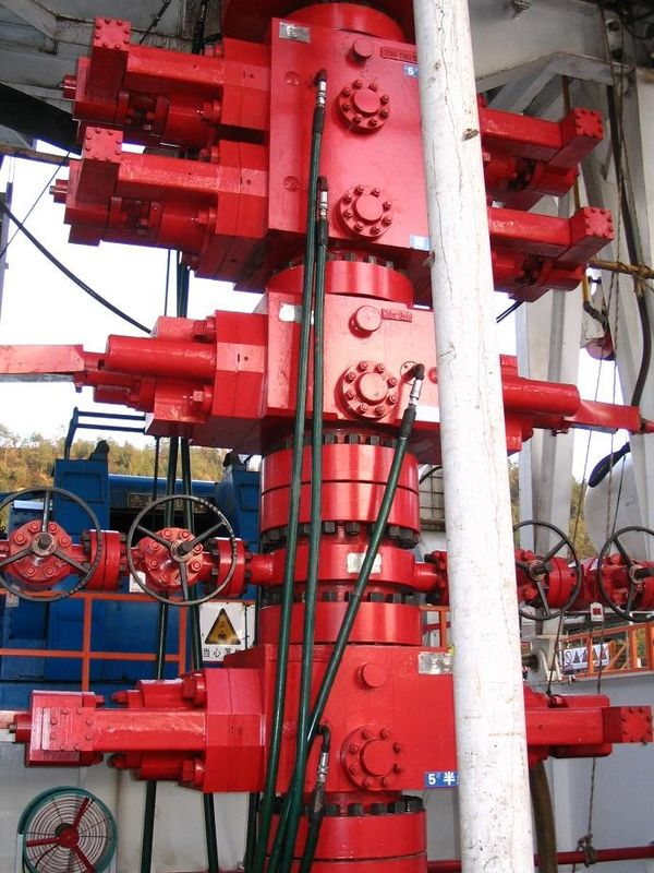 2000-10000 Psi Oil Well Blowout Preventer Stack , API 16A Annular Blowout Preventer